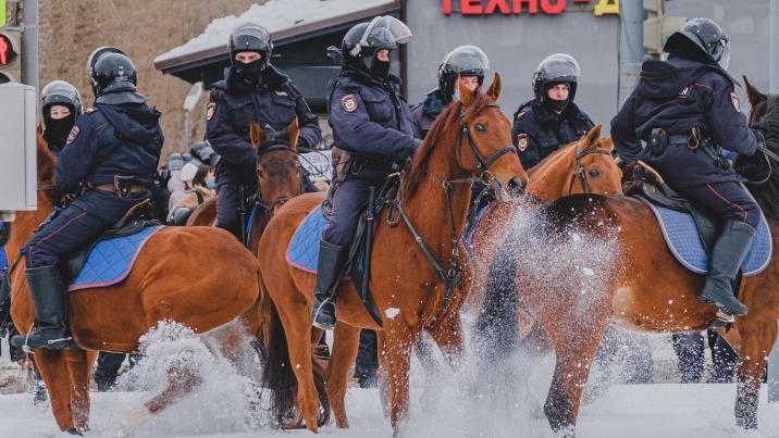 Перекрытия и группы захвата. Фоторепортаж с акции протеста в поддержку Навального в Перми