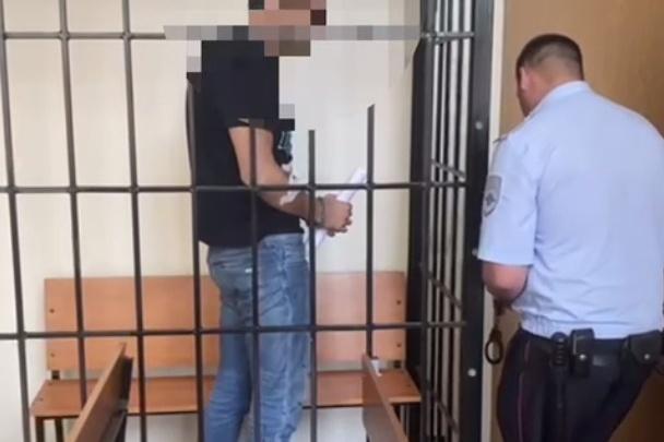 Краснодарец выстрелил в полицейского, а при задержании отрезал себе язык