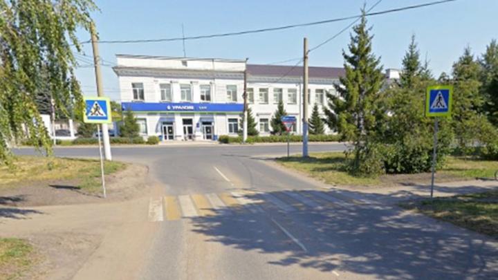 В Омске запретили повороты налево на двух аварийных перекрестках