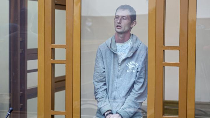 «Замкнут, раним, обидчив». В Челябинске вынесли приговор мужчине, за полмесяца убившему молотком шесть человек