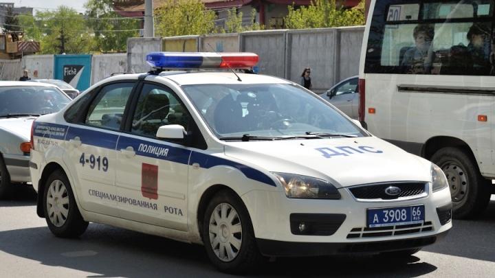 В Екатеринбурге полицейским, которые задержали парня с полной машиной наркотиков, грозит уголовное дело
