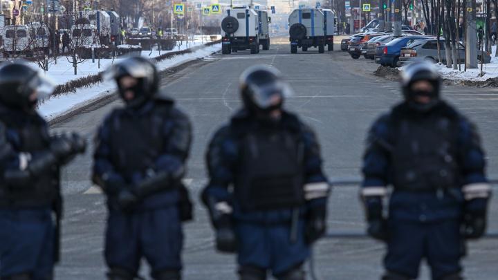 В Челябинске из-за несанкционированной акции протеста частично закрыли проспект Ленина