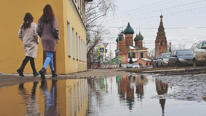 Идеально зеркально: как выглядит город в отражении луж