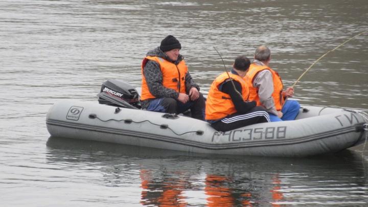 Два рыбака застряли на острове под Новосибирском