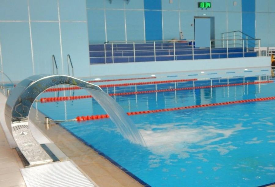 Помимо спортивных секций в здании на Фестивальной также располагался бассейн
