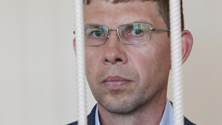 Замглавы челябинского Минстроя отправили в СИЗО по делу о взятке. Что он ответил на вопрос об обвинении