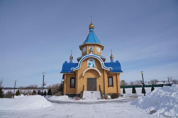 Церковь иконы Божией Матери «Избавительница» находится на территории монастыря в Ташле
