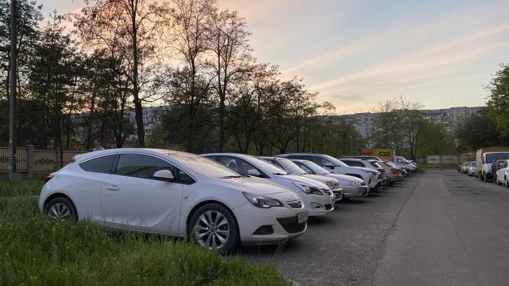 Стало известно, сколько будет стоить час парковки в Краснодаре и вернутся ли на улицы эвакуаторы