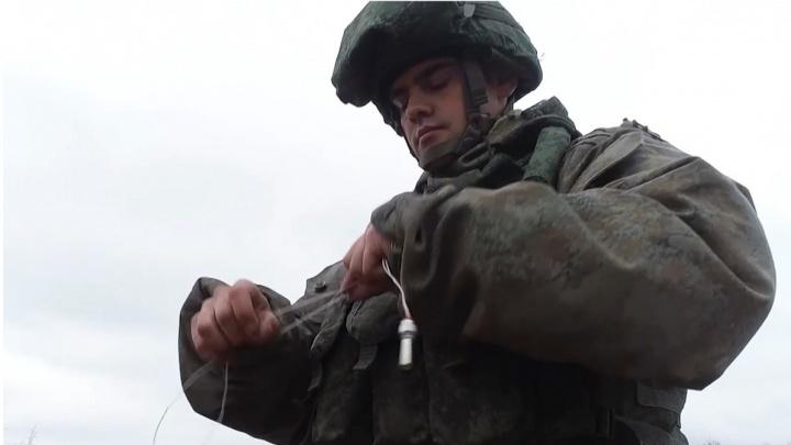 «Угрожали уволить по статье». Сотни екатеринбургских военных отправят в Нагорный Карабах