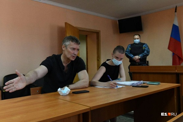 Экс-мэра в суде представляет юрист Юлия Федотова