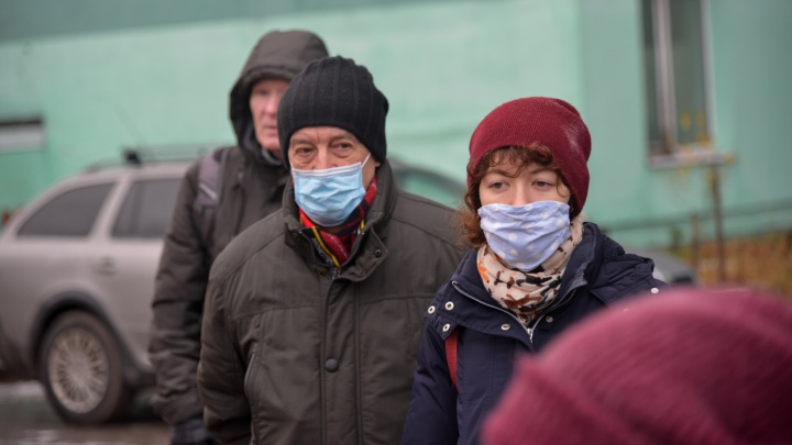 Глава Минздрава Поморья рассказал, кому нельзя прививаться от коронавируса