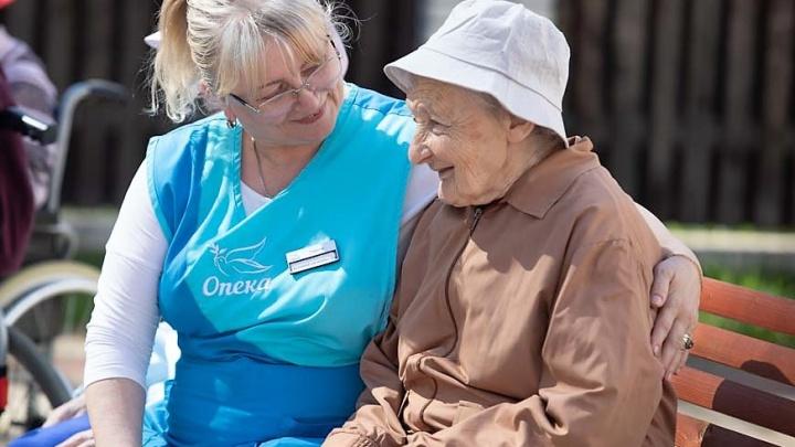 «В 76 лет у меня появилась близкая подруга»: пожилые челябинцы — о сиделках патронажной службы «Опека»