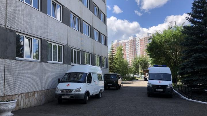 Больных COVID-19 со средней тяжестью из Красноярска начали класть в пригородные госпитали