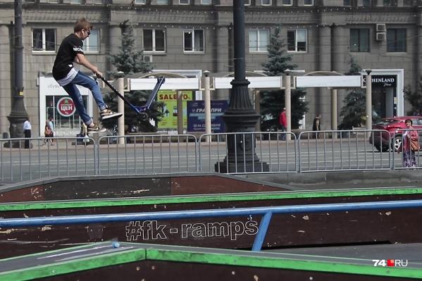 Скейт-парк почти год простоял на стадионе, но та площадка была временной — на период пандемии