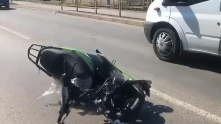 82-летний скутерист погиб в ДТП с Toyota Camry под Уфой