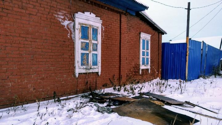 В Омске будут судить многодетную мать. Ее трехмесячный сын задохнулся в пожаре