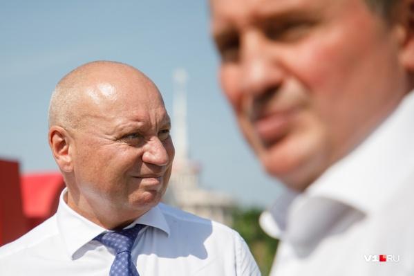 Виталий Лихачев избавился от заботы о городском хозяйстве Волгограда и ответственности за все городские провалы