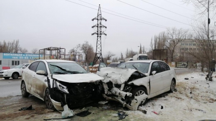 В Волгограде лихач на BMW устроил крупную аварию с пострадавшими