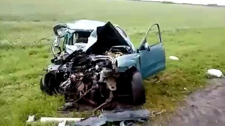 На границе Волгоградской и Ростовской областей разбился автобус с курортниками