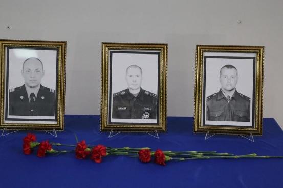 Погибшие при пожаре — Максим Рябцев, Алексей Пузырёв, Анатолий Жалнерчик