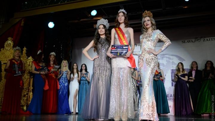 Красноярская школьница ростом 185 сантиметров завоевала титул «Юная мисс России»