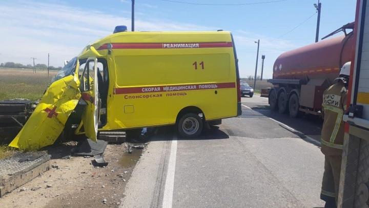 Попавший в ДТП с локомотивом реанимобиль вез ребенка в больницу. Новые подробности происшествия