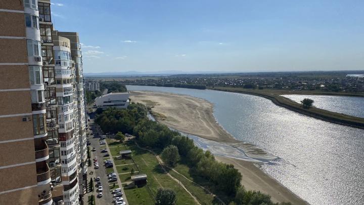 «В край идут раскаленные потоки». Стоит ли ждать дождей или жара на Кубани продолжится?