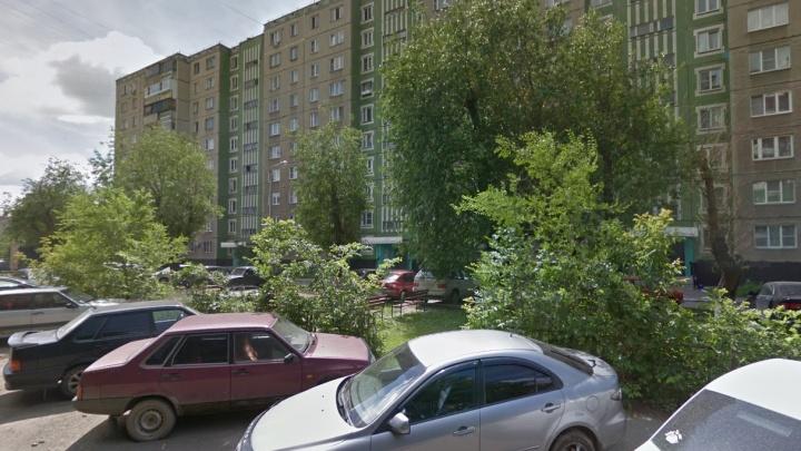 Челябинский суд вынес приговор двоим юношам, заказавшим суши в Ленинский район и ограбившим курьера