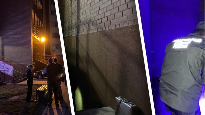 На мужчину, который увел в подвал двоих мальчиков на Лесобазе, завели уголовное дело
