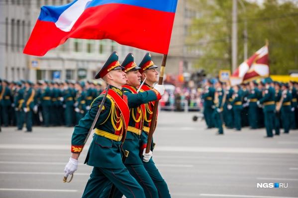 В параде примут участие более 2000 военных (и все уже поставили прививки от коронавируса)