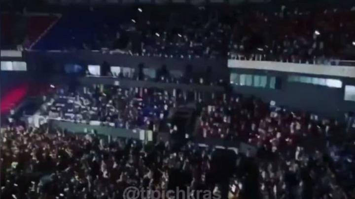 Роспотребнадзор не знал о концерте Zivert, который провели в Краснодаре во время коронавируса
