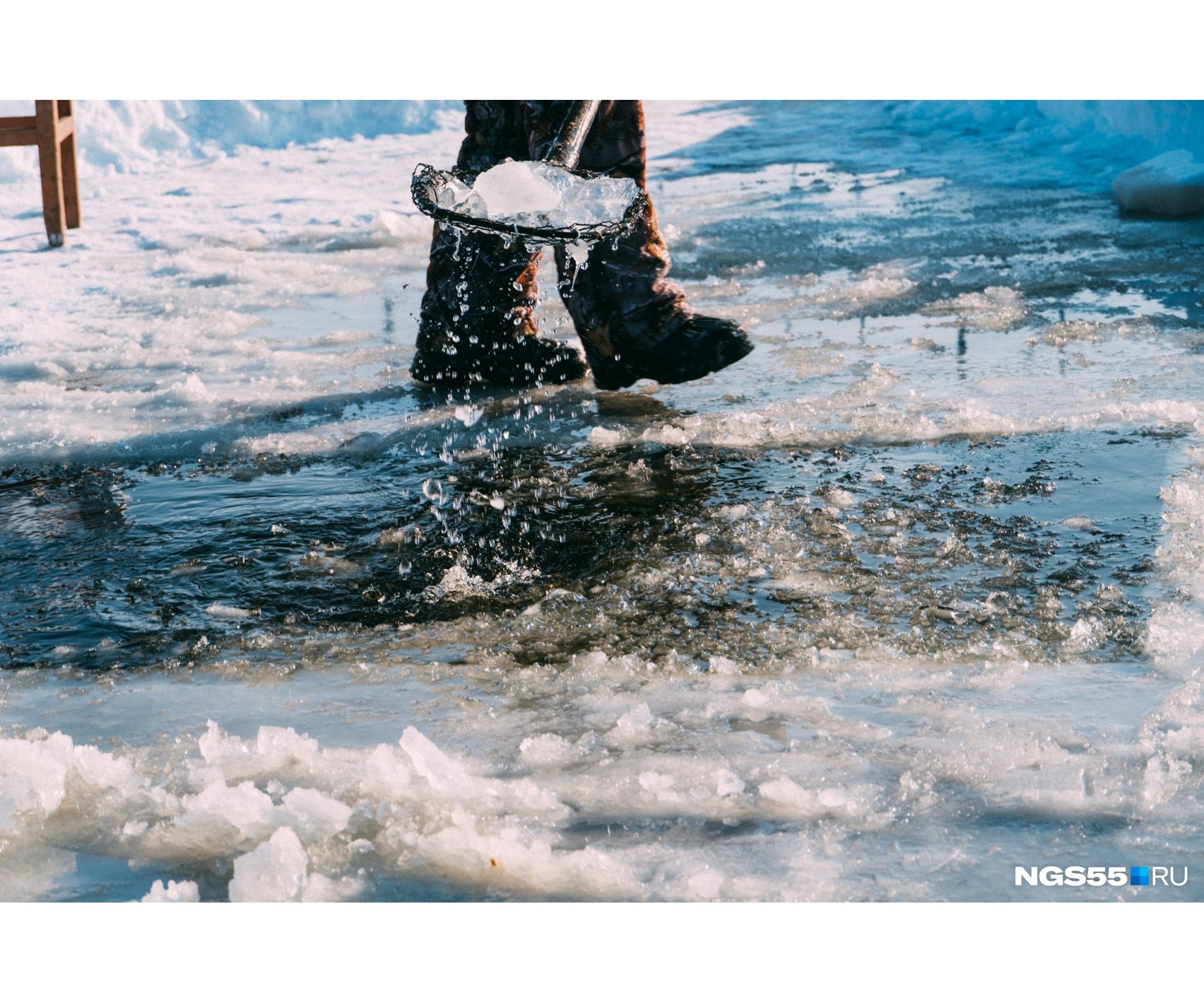 Что-то весеннее и жизнерадостное есть в этом снимке, хоть и до таяния снега еще совсем далеко