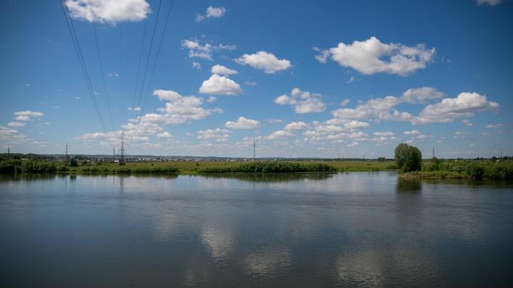 «Втихаря туда все бегали»: подросток утонул в самом центре Шушенского