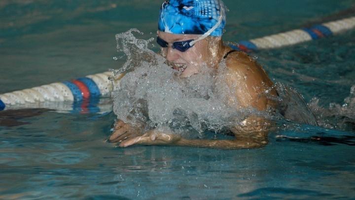 «Для тех, кто боится морозов»: в челябинском бассейне объявили об освящении воды в Крещение