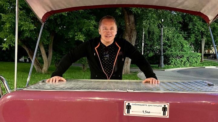 «Мир меняется, а я кайфую»: челябинский бизнесмен — о покупках онлайн, экономии времени и денег