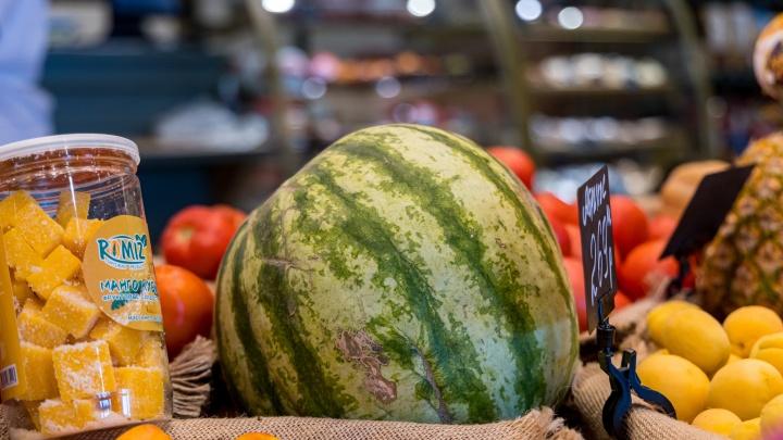 Уже очень хочется арбузов, а это безопасно? Ученые рассказывают, как выбрать плод без нитратов