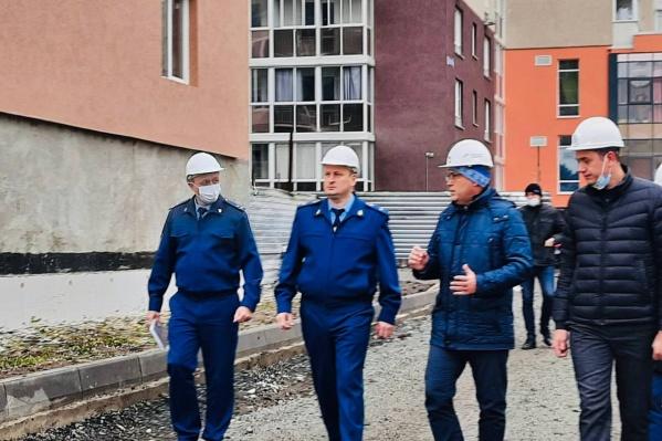 Прокурор провел рабочую встречу с мэром Кемерова Ильей Середюком и директором ООО СЗ «Спецстрой»