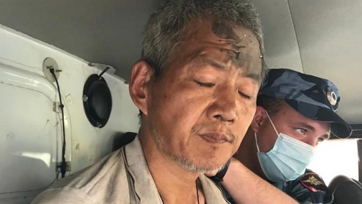 «Поймали на кладбище»: видео задержания дончанина, устроившего резню в автобусе
