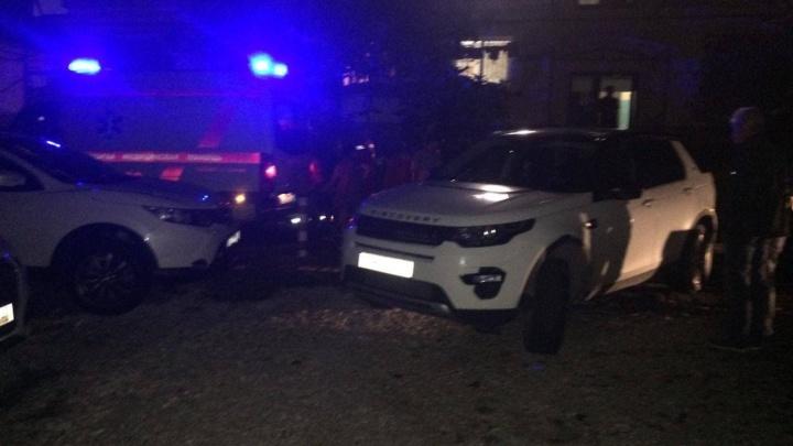 В Сочи внедорожник насмерть сбил двухлетнюю девочку на парковке