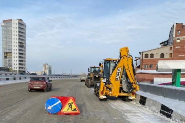 Соль с дорог обещают оперативно убрать вместе со снегом