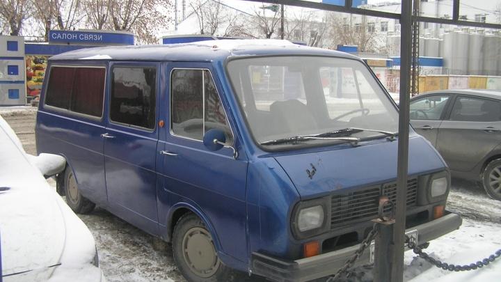 Полковник за рулем маршрутки: история первого частного перевозчика Екатеринбурга