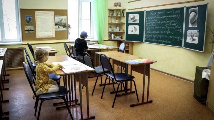 В нижегородской гимназии 40 детей начало тошнить после уроков. Причины происшествия устанавливает Роспотребнадзор