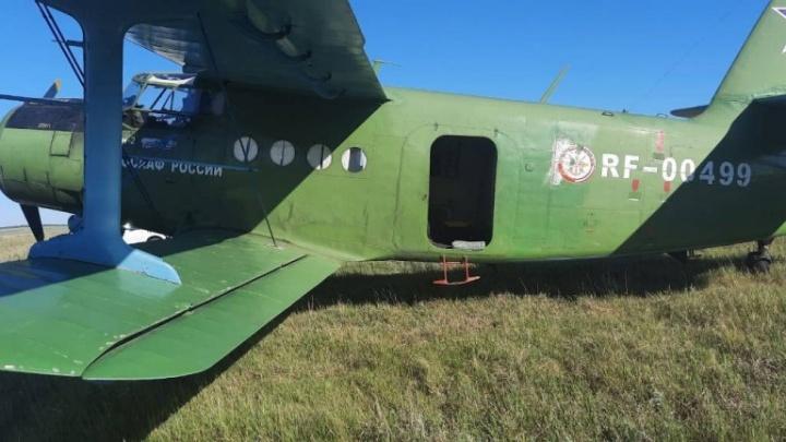 Начальник челябинского аэроклуба рассказал, почему пришлось экстренно посадить Ан-2 в поле
