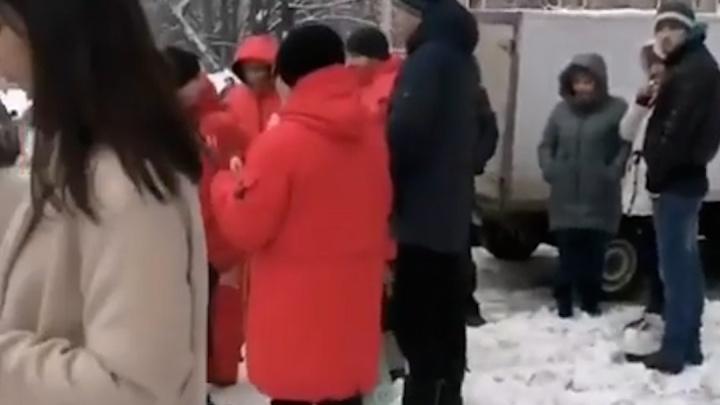 В Уфе эвакуировали крупный торговый центр, момент попал на видео