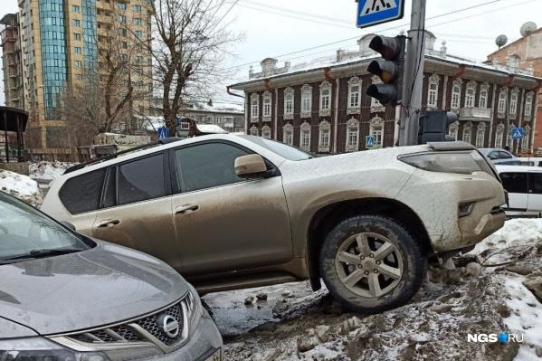В прошлом году жулики угнали 15 Toyota Land Cruiser Prado