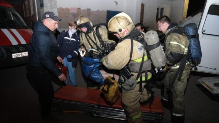 Суд отправил в колонию новосибирца из-за гибели в пожаре двух людей— теперь он должен 3,5млн потерпевшим