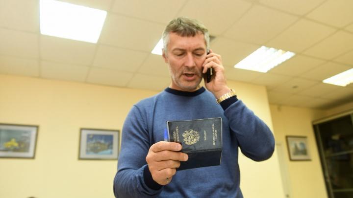 Евгений Ройзман получил протоколы от полиции: разбираем с юристом, какое наказание ему грозит