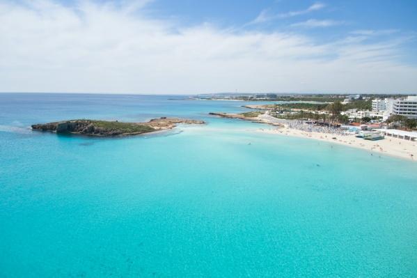 В августе можно превосходно отдохнуть на пляжах и в отелях Кипра и Турции