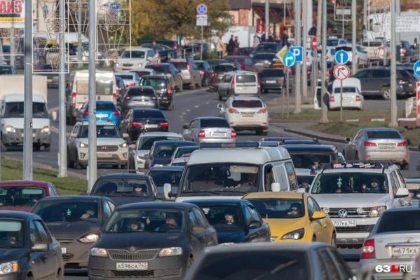 Сейчас Ново-Садовая одна из самых загруженных улиц областной столицы