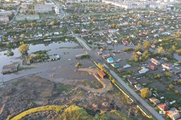 Вот так выглядит Верхняя Салда после наводнения